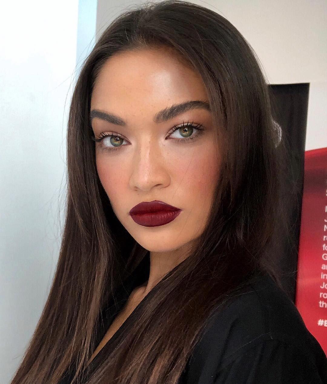 does airbrush makeup look natural