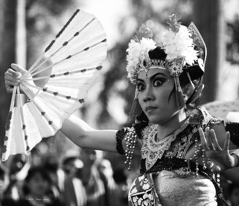 Balinese dancer posing