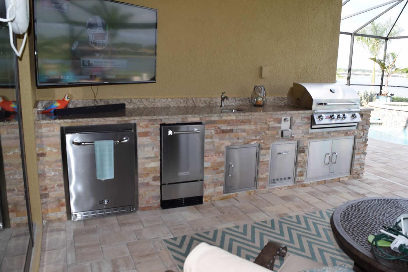 Kentucky Derby Golden White Custom Outdoor Kitchen At Corkscrew Shores Outdoor Kitchen Pulte Homes Custom Kitchen