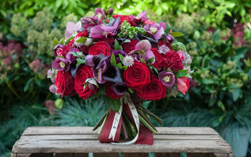 Valentine S Day Flowers To Match Your Loved One S Personality Flowers Delivered Luxury Flowers Flowers London