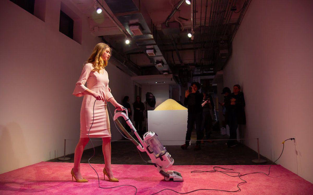 Ivanka Trump Slams Performance Piece Featuring Look Alike Vacuuming A Carpet Trump Lookalike Ivanka Trump Art Exhibition
