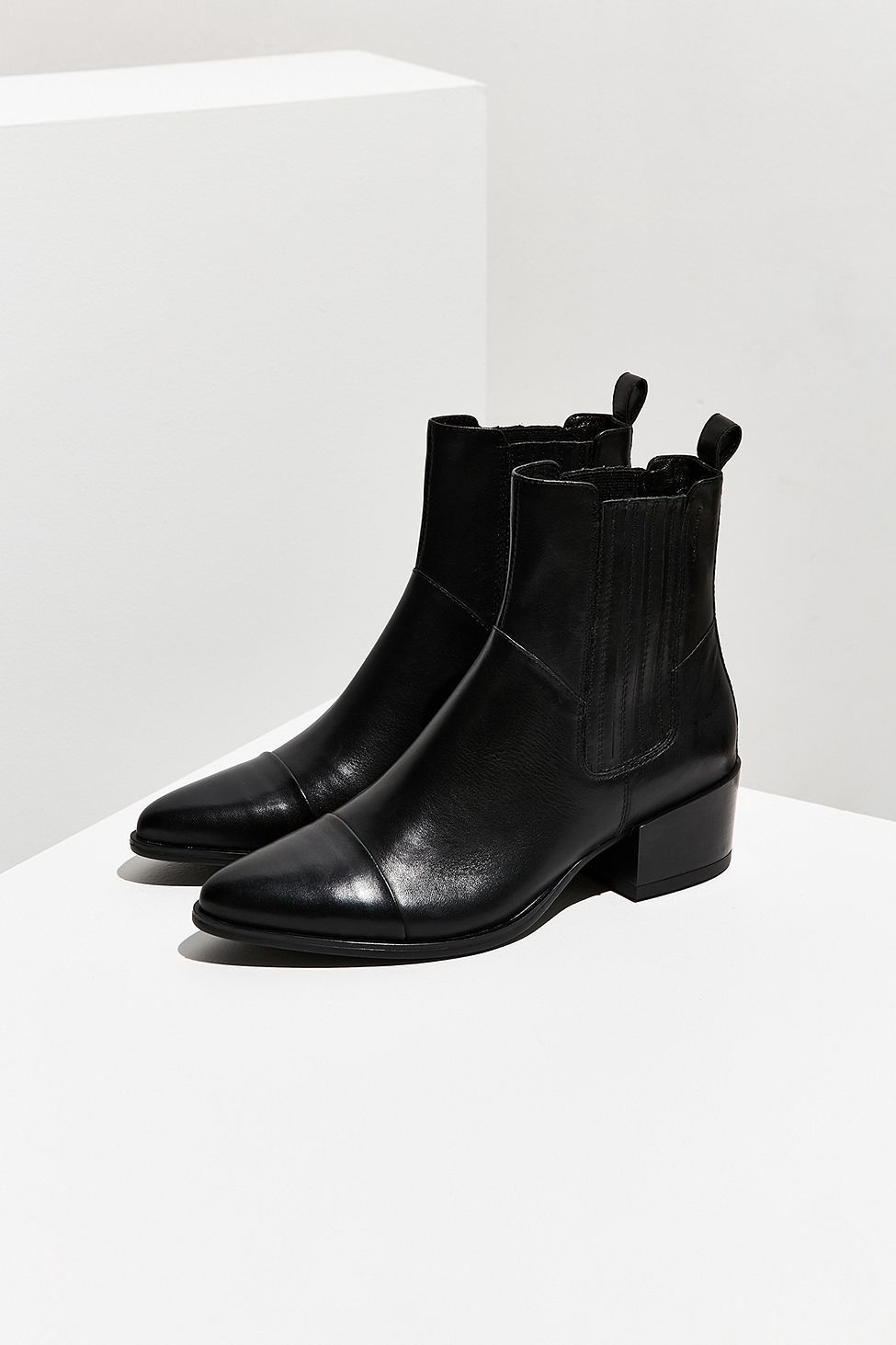 a886b7340471 Vagabond Shoemakers Marja Chelsea Boot by Urban Outfitters in 2019 ...