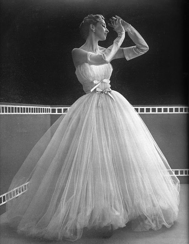 vintage everyday: Mysterious Fashion from between 1940s and 1950s by ...