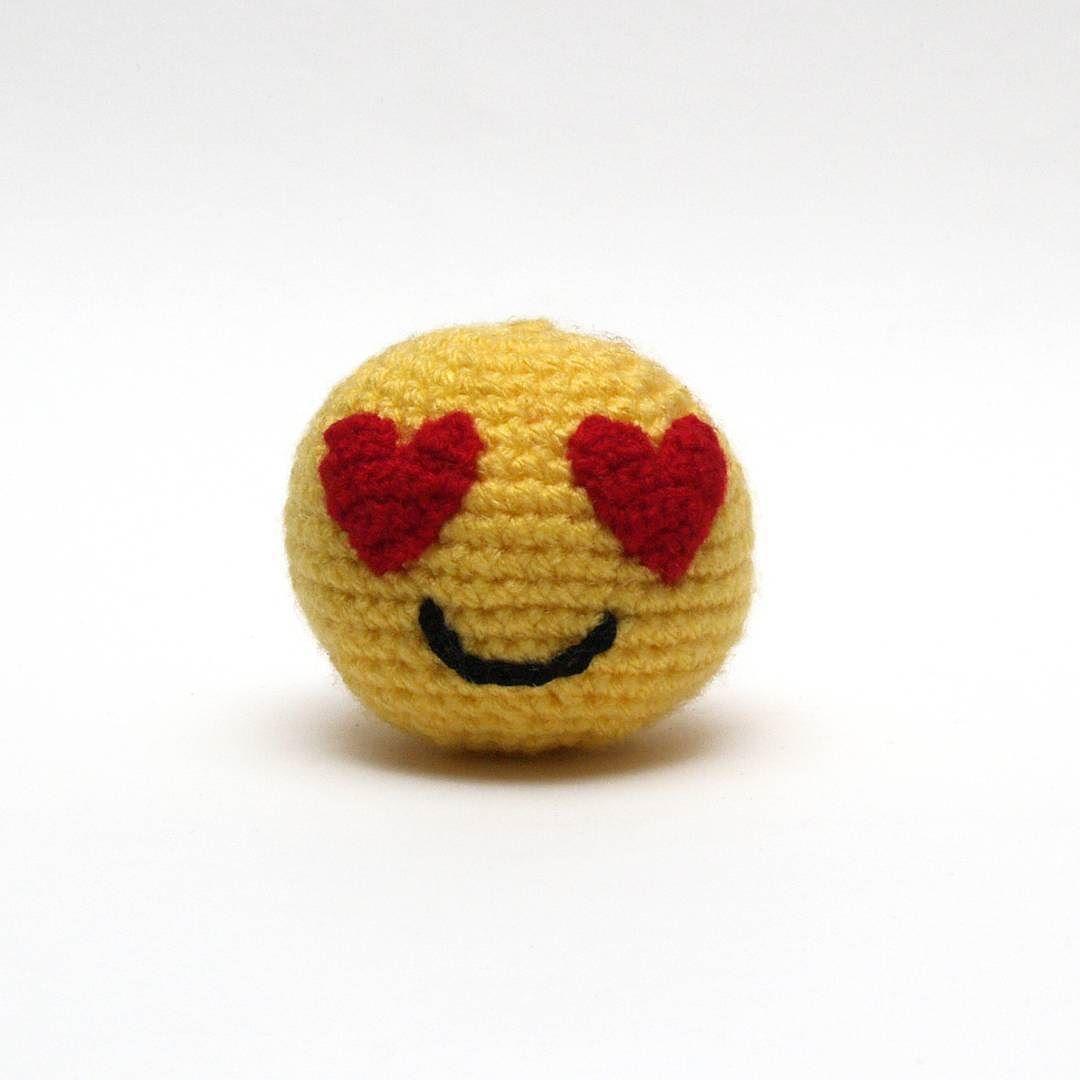 Friday I\'m in love #amigurumi #emoji #smiley #heart #crochet ...