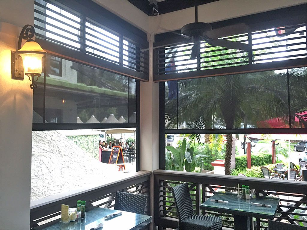 Motorized Restaurant Blinds Southern Patio Enclosures Patio Enclosures Restaurant Patio Patio Blinds