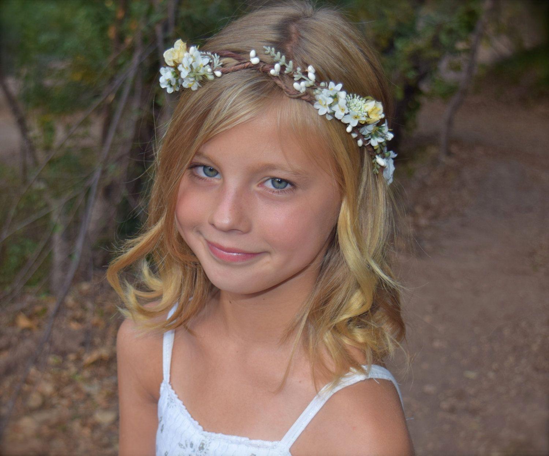 Sunshine in your smile flower girl wreath creamy white pale soleil dans les baies de spires roses et pip par bohohalocompany izmirmasajfo