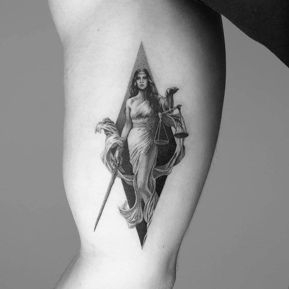 Justitia Tattoo Google Suche Justitia Tattoo 7
