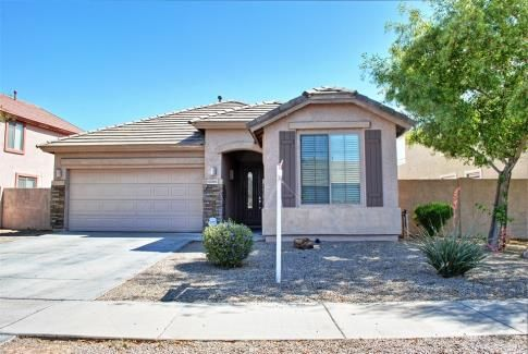 Only 240 000 15316 W Roanoke Avenue Goodyear Az 85395 Www Joearizona Com 623 322 8588 Joe Bourland Real E Real Estate Listing House Litchfield Park