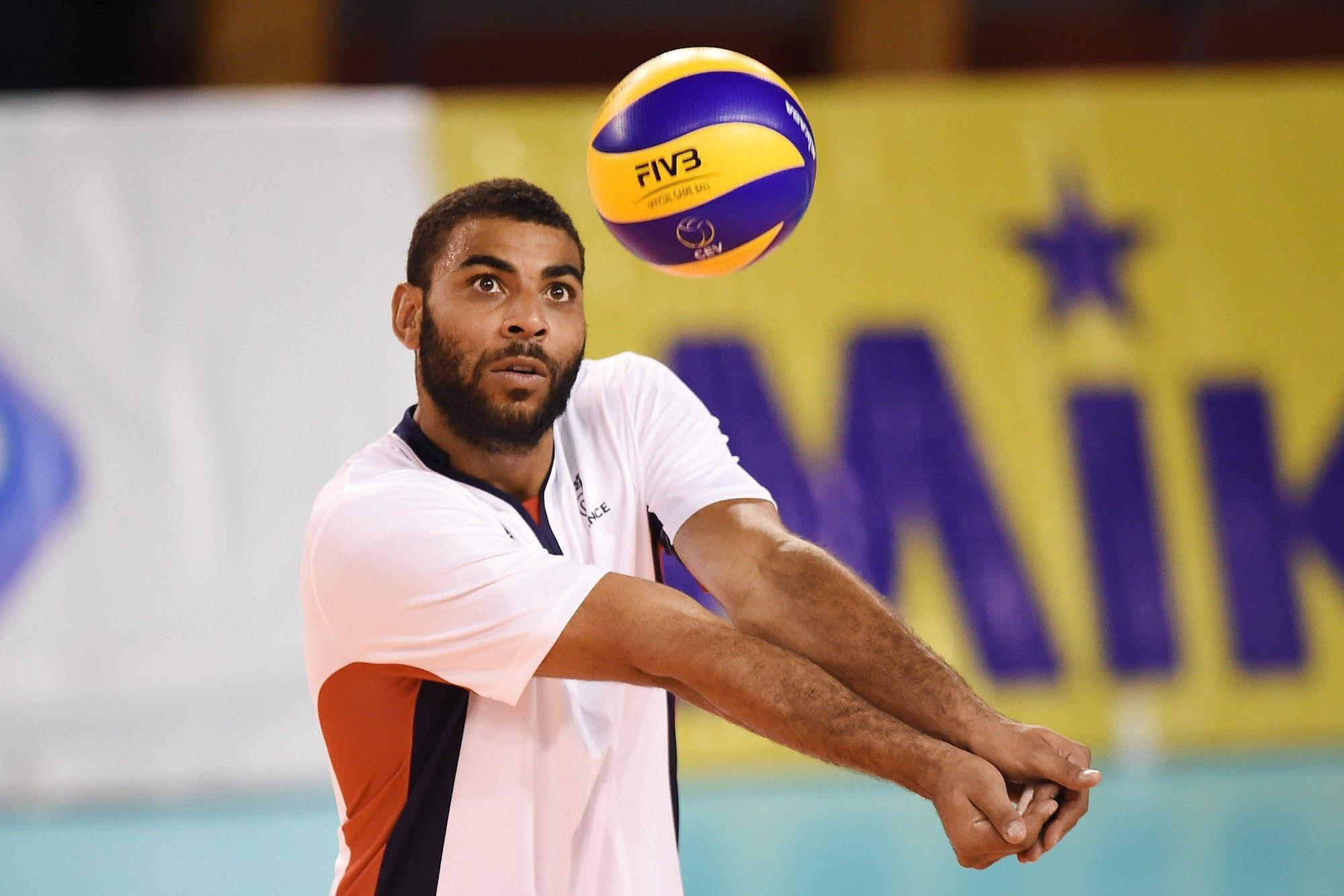 Earvin Ngapeth La Star Francaise Du Volley Arretee Au Bresil En 2020 Star Francaise Danse Avec Les Stars Volley