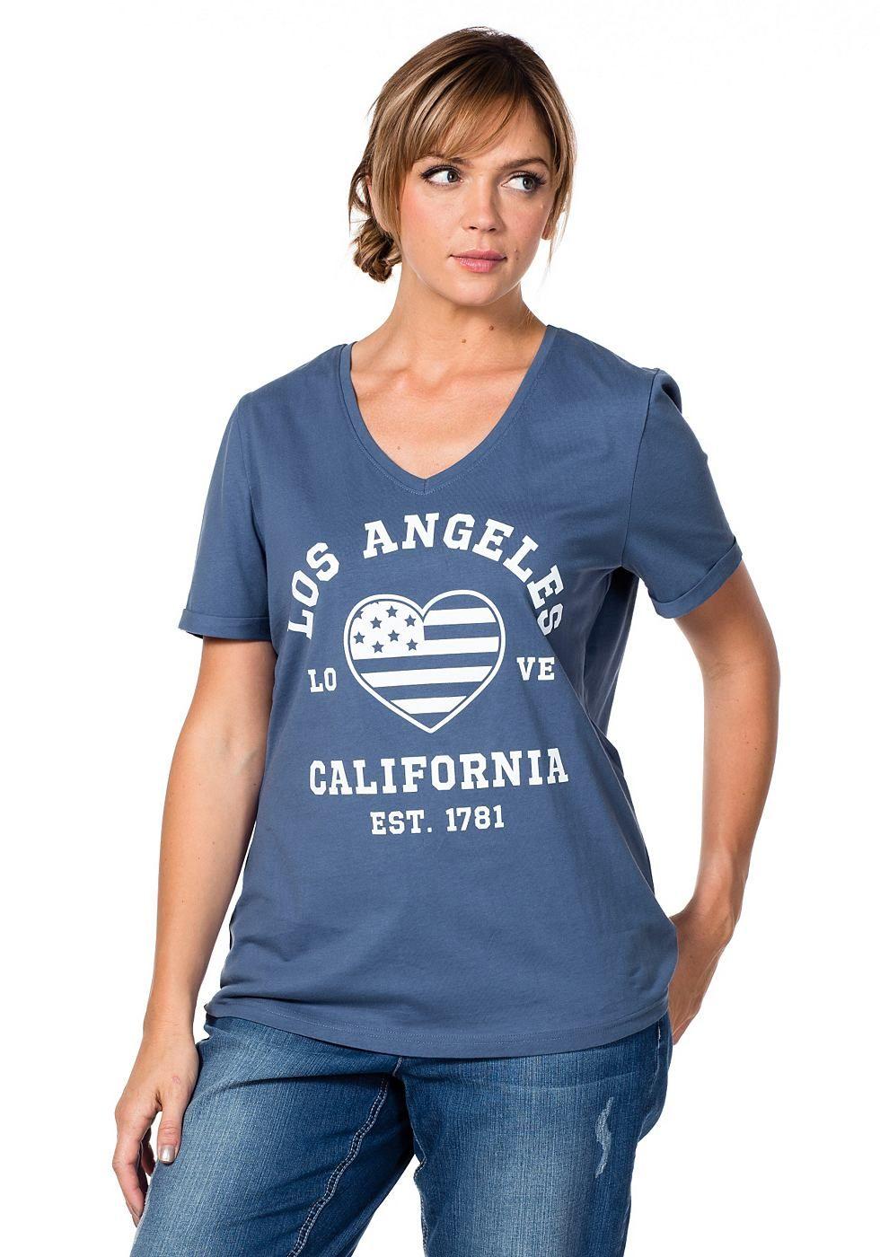 Typ , T-Shirt, |Material , Baumwolle, |Materialzusammensetzung , 100% Baumwolle, |Ausschnitt , V-Ausschnitt, |Optik , Mit Druck vorne, |Gesamtlänge , Größenangepasste Länge von 66 cm - 76 cm, |Ärmellänge , Kurze Ärmel, | ...