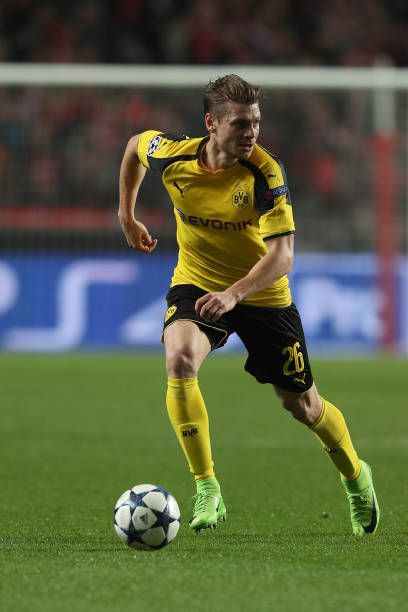 Dortmund S Defender Lukasz Piszczek From Poland During Sl Benfica V Borussia Dortmund Uefa Champions League Round Of 16 First Leg Match At Estadio Da Futbal