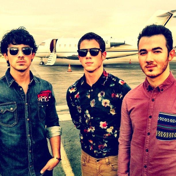Kuka on Joe Jonas tällä hetkellä dating 2013