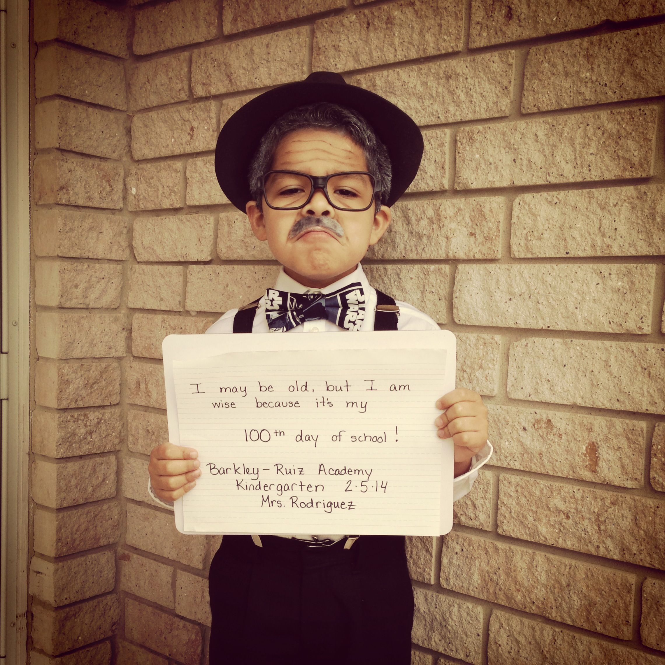 100th day of school Dress like you are 100 years old Fedora hat