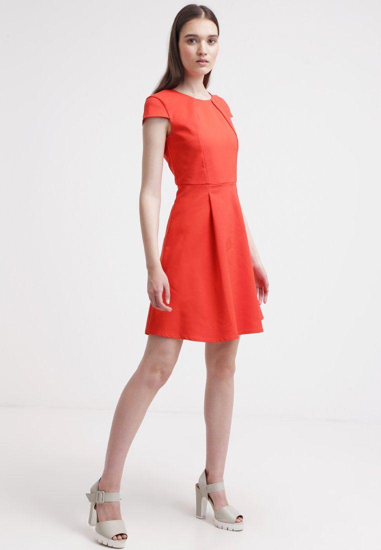 Ein süßes Kleid im Stil der 60er. mint&berry Cocktailkleid ...