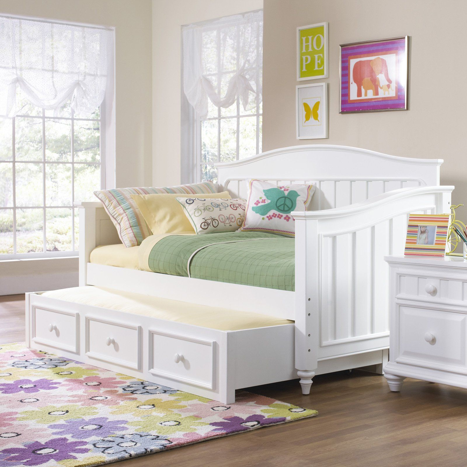 SummerTime Daybed White Even in the chilliest of