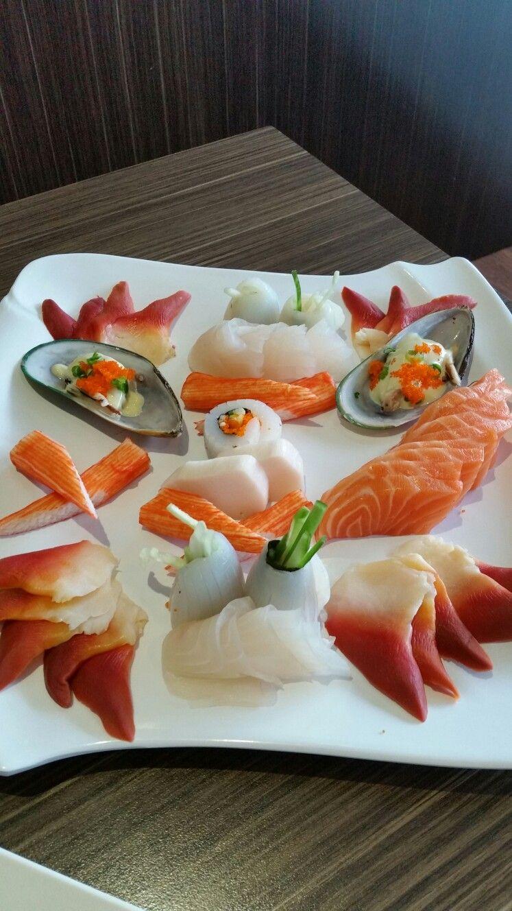 Sashimi Plate Beautiful Sushi Decoration In 2019 Sushi