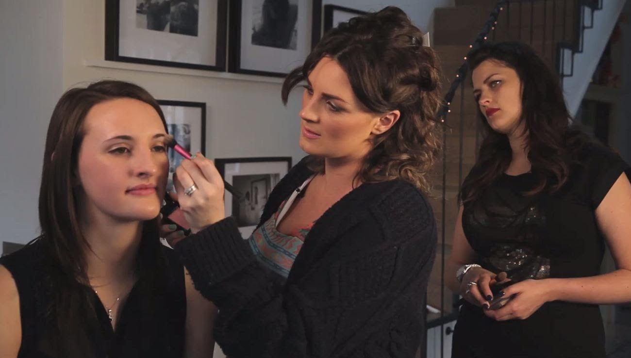 CONTOURING & HIGHLIGHTING MASTERCLASS WITH PIXIWOO