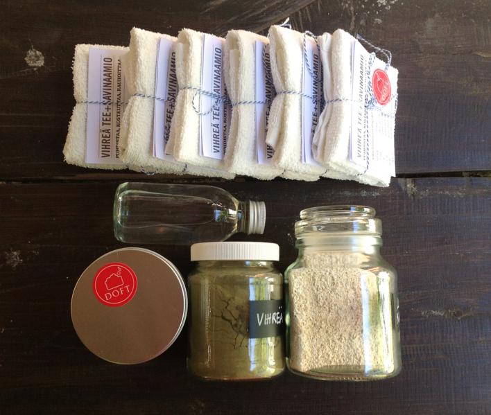 Tällaisista aineista valmistetaan elvyttävä vihreä tee + vihreä savi -kasvinaamio.