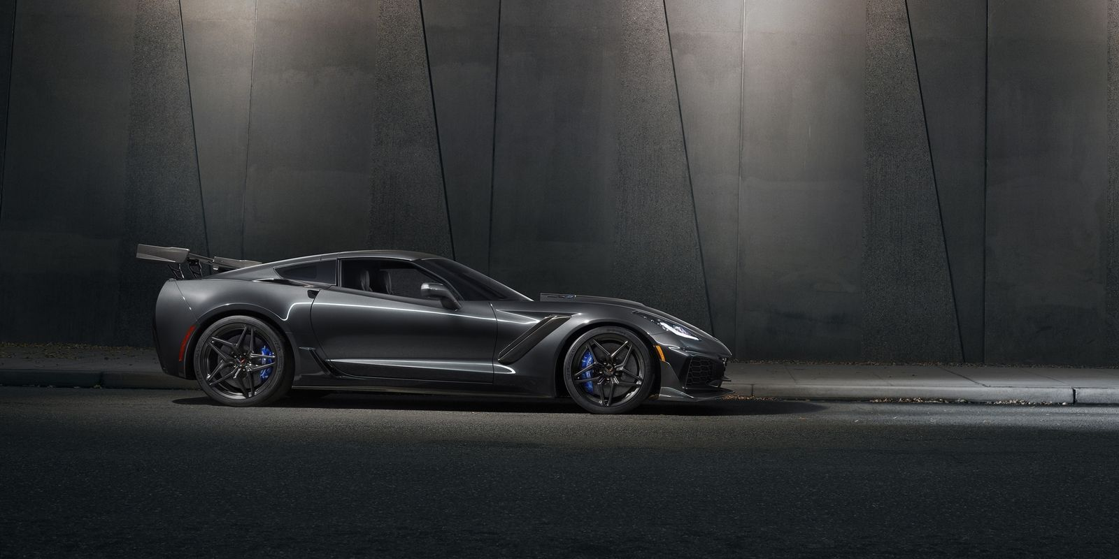 2019 Chevrolet Corvette ZR1: Here It Is, In All its 755-HP Glory ...