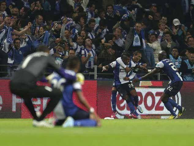 Porto Benfica Penultimo Jogo Do Campeonato 2012 13 Kelvin Acabou De Marcar O Golo Do Titulo Estrondoso Golo Futebol Clube