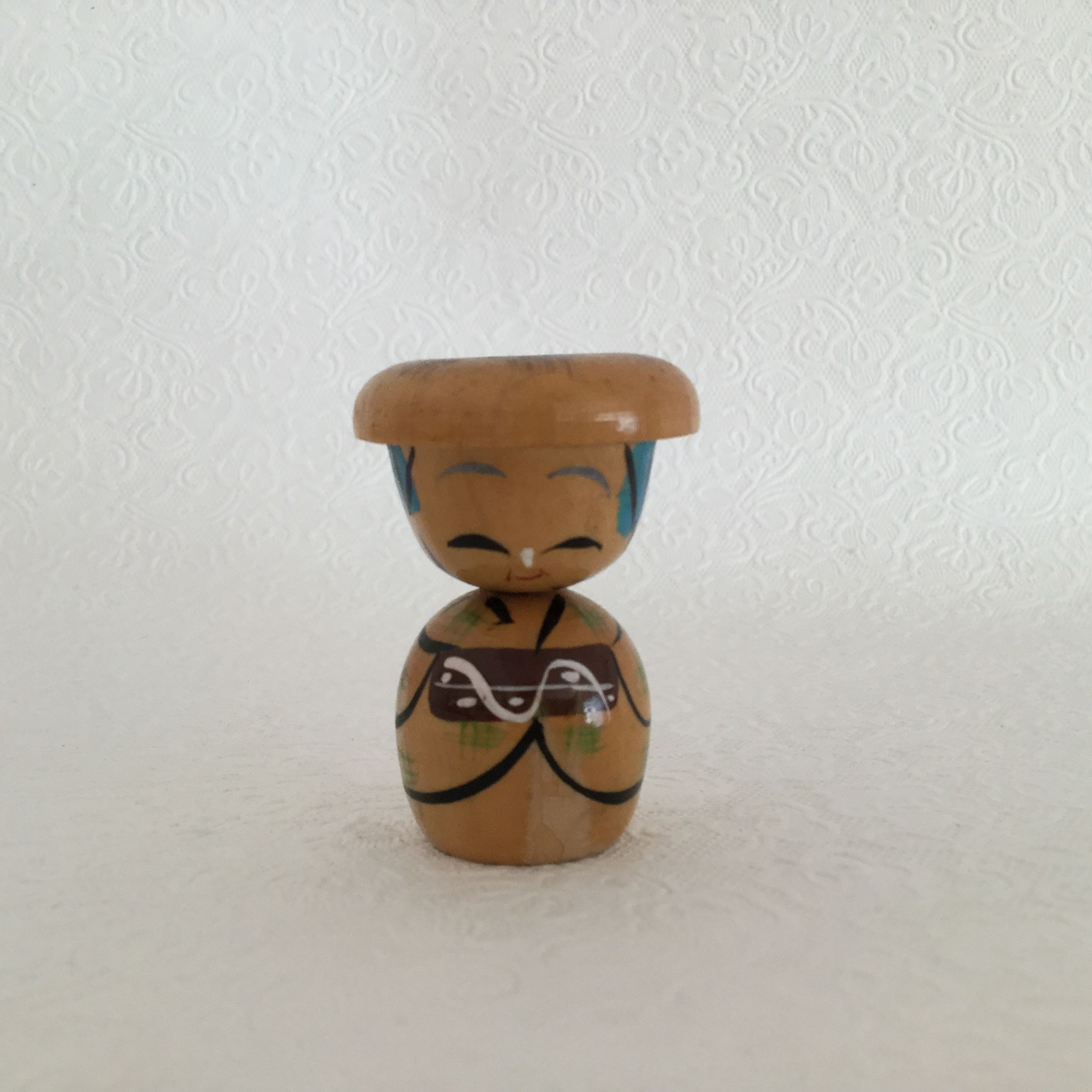 Kokeshi doll with hat Kokeshi dolls, Kokeshi, Dolls