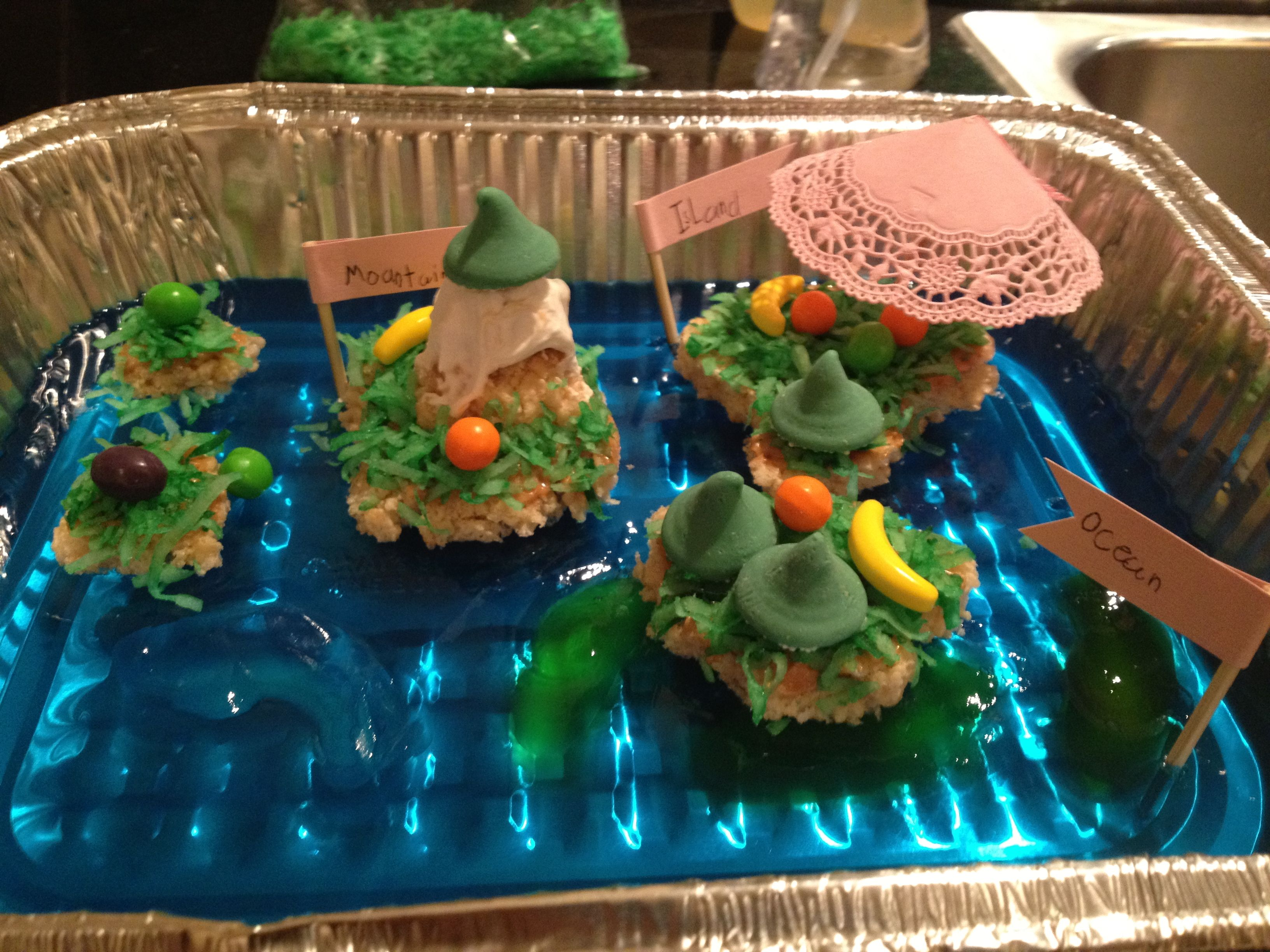 Kids Edible landform project. Very easy! Blue jello for ...