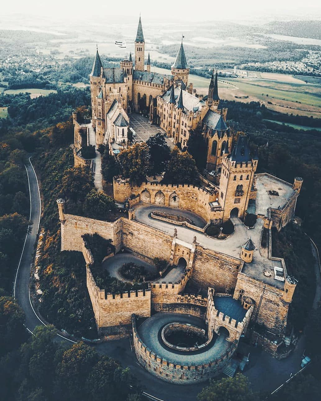 Castles In The World On Instagram Burg Hohenzollern Germany Repost Marcelsiebert Burg Schloss In 2020 Hohenzollern Castle Germany Castles Modern Castle