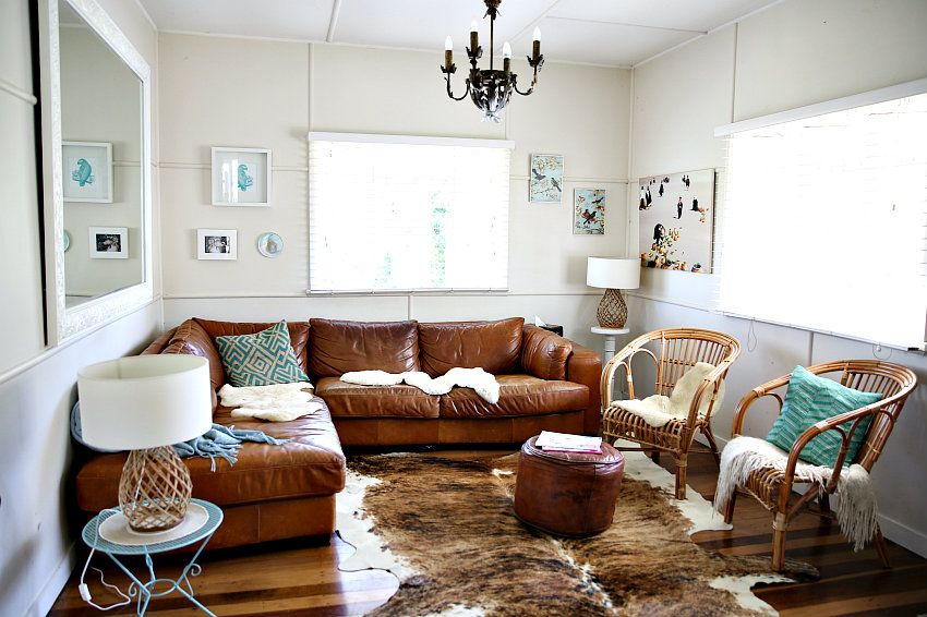 Living Room Cozy Cottage Style Ideas Beach With Wicker Chairs And Leather Sectional Sofa