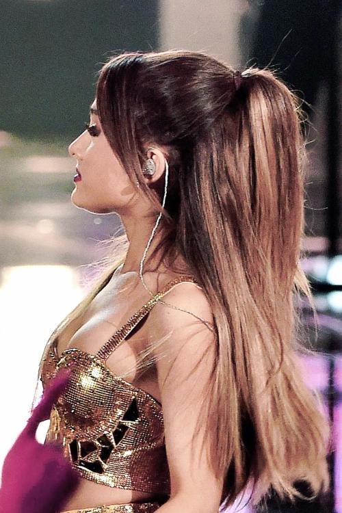 Creampie nackt ariana grande Ariana Grande