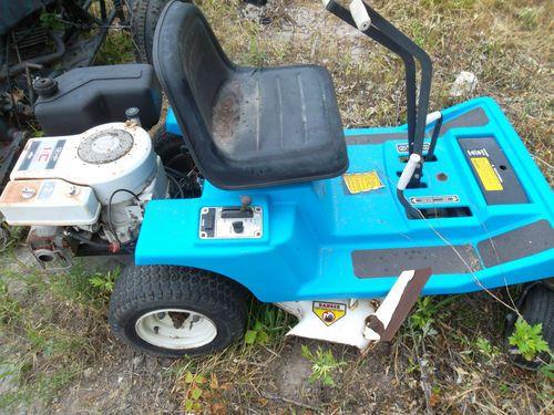Dixon Ztr 312 Zero Turn Mower Zero Turn Mowers Mower Dixon