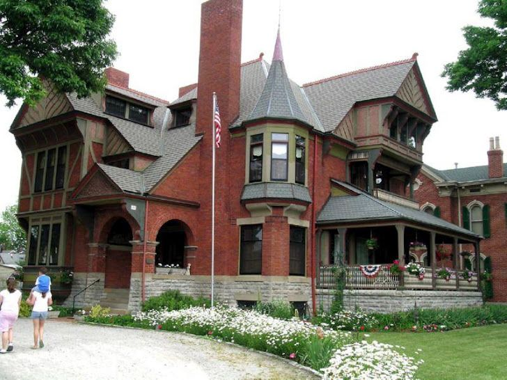 The Homes In Dayton Lane Historic District Were Built Between The Mid 1800s Through About 1920 These Beautiful Victorian Homes Historic Homes Beautiful Homes