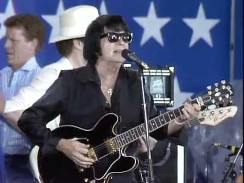 21 Roy Orbison Mean Woman Blues Live At Farm Aid 1985 Youtube