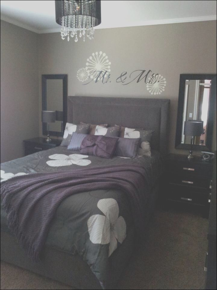 9 Outstanding Apartment Bedrooms Decorating Ideas Photos Bedroom Designs For Couples Apartment Bedroom Decor Bedroom Decor For Couples