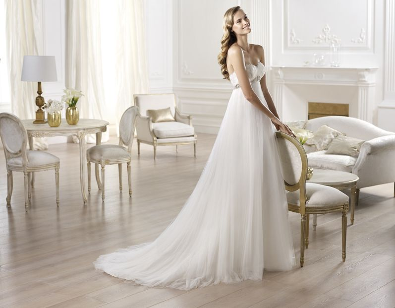 "Brautkleid Modell ""Ojeda"" aus der Pronovias Brautmoden Kollektion 2014."
