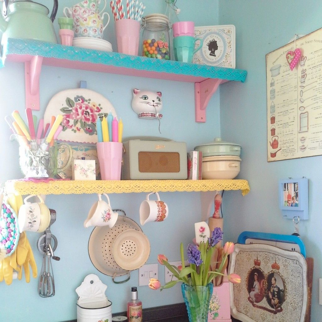 Vintage Kitchen Decor: Sarah Maguire's Vintage Eclectic Retro Upcucled Home
