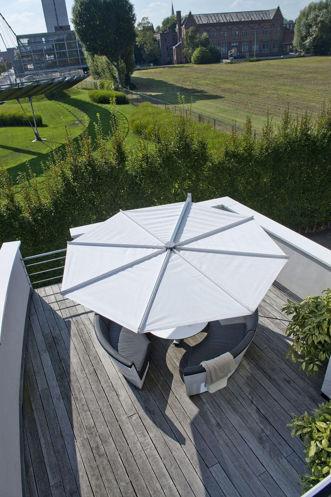 The Kosmos Round Parasol Has An Ingenious Design And Opens