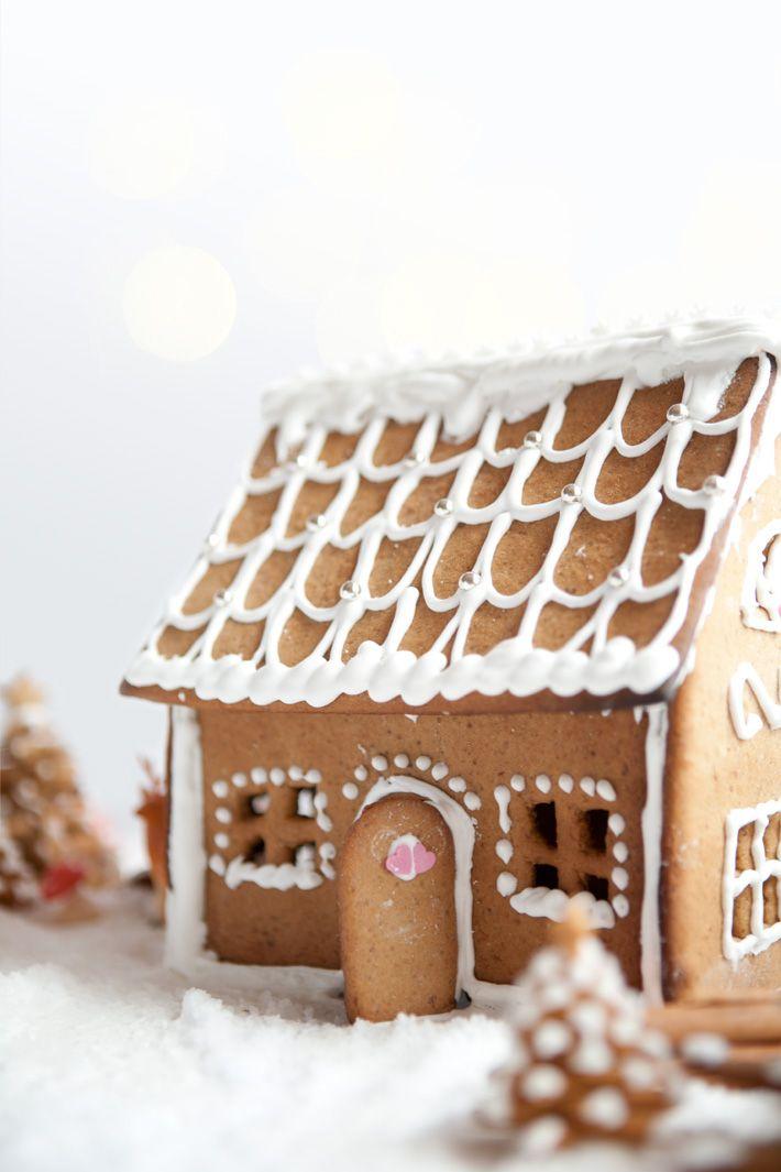 Le petit village en pain d 39 pice enneig de no l maisons de no l pain et no l - Kit maison en pain d epice ...