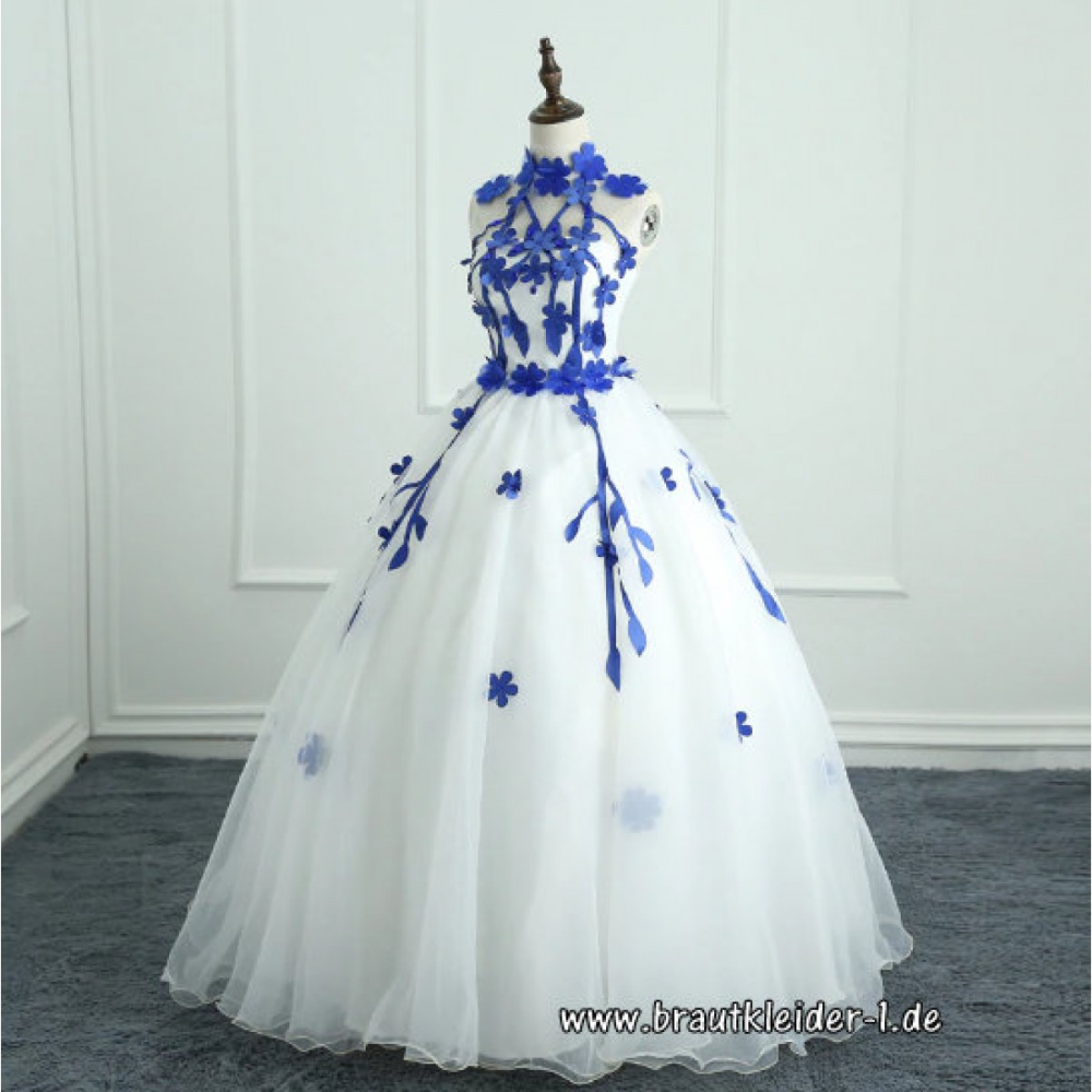 Brautkleid mit Blaue 14D Blumen #braut #brautkleid #hochzeitskleid