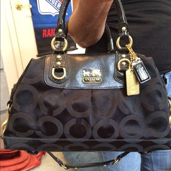 9a6c8903a965 netherlands coach handbag nwot brand new black coach handbag with signature  print fabric and gold hardware