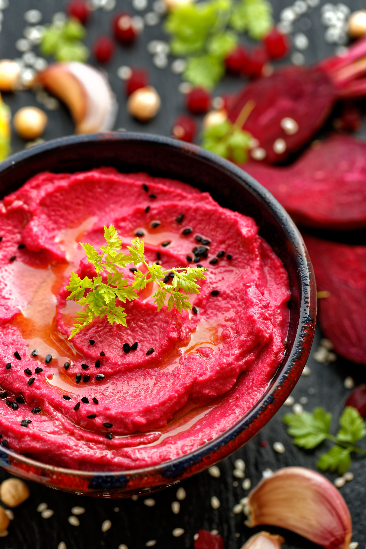 Rödbetshummus - Recept - Tasteline.com #julmatjulbord