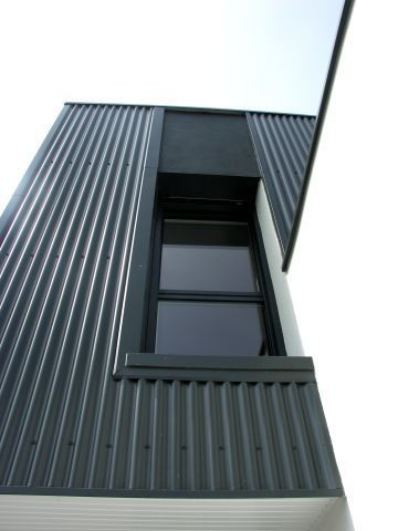 Maison cubique bardage t le ondul e en fa ade agence architk le rheu 35 facade facade - Maison en tole ondulee ...
