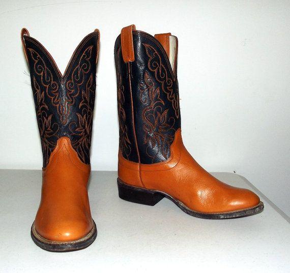 Black and caramel tan  Cowboy boots  Olathe brand www.thehoneyblossomstudio.com