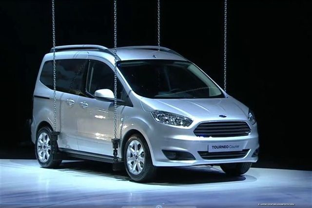 A Dan Z Ye 2012 Paris Motor Show Ford Tourneo Courier Ford