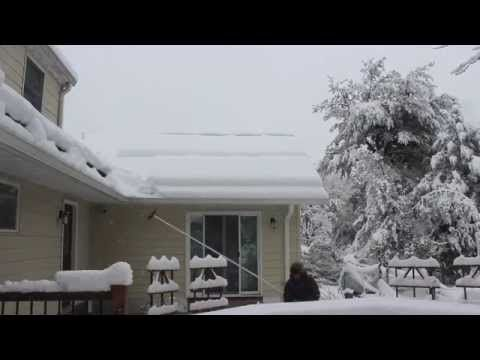 How Do I Safely Remove Snow From Solar Panels We Have The Answer Solar Panels Solar Ice Dams
