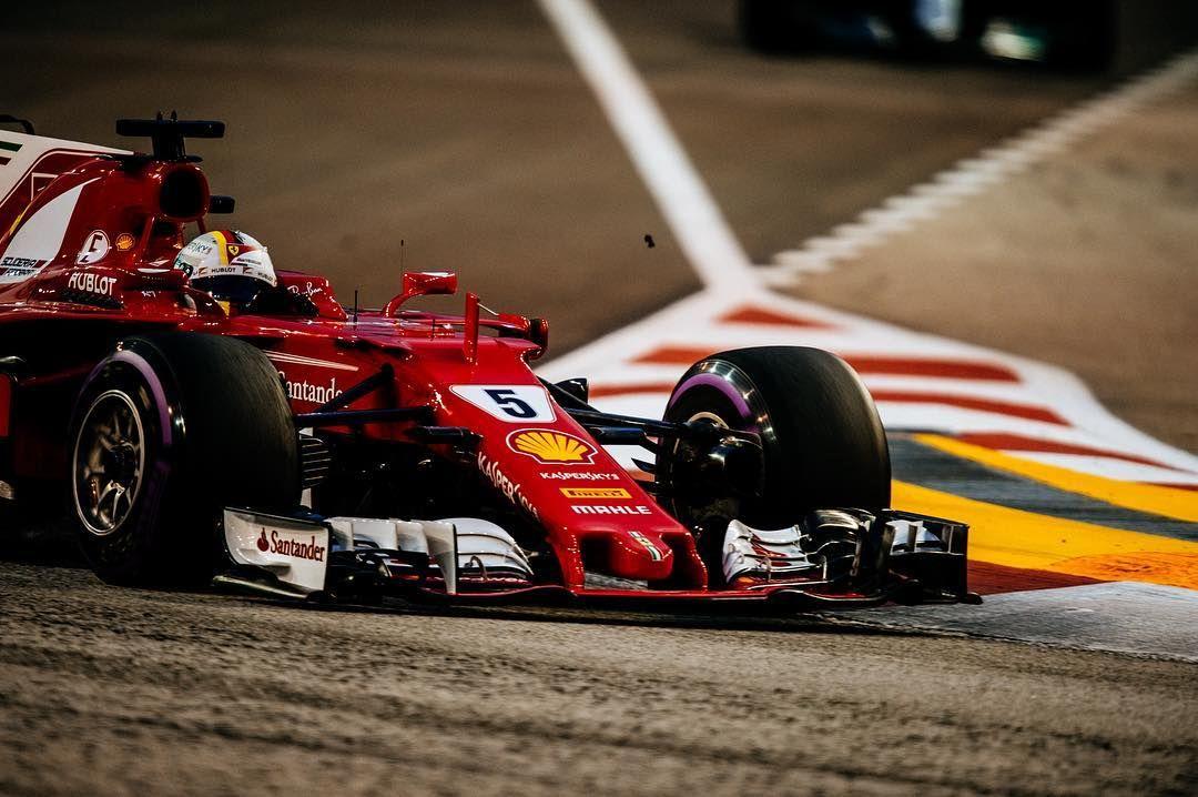 On Full Blast F1nightrace Scuderiaferrari Singaporegp Seb5 Sf70h F1 Ferrari Prancinghorse Ferrari Racing F 1