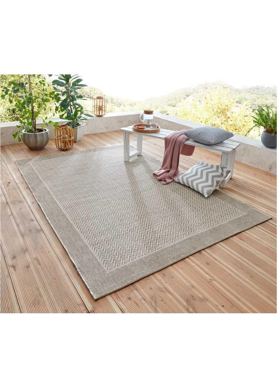 Teppich In Dezenten Farben Fur Den Innen Und Aussenbereich Natur