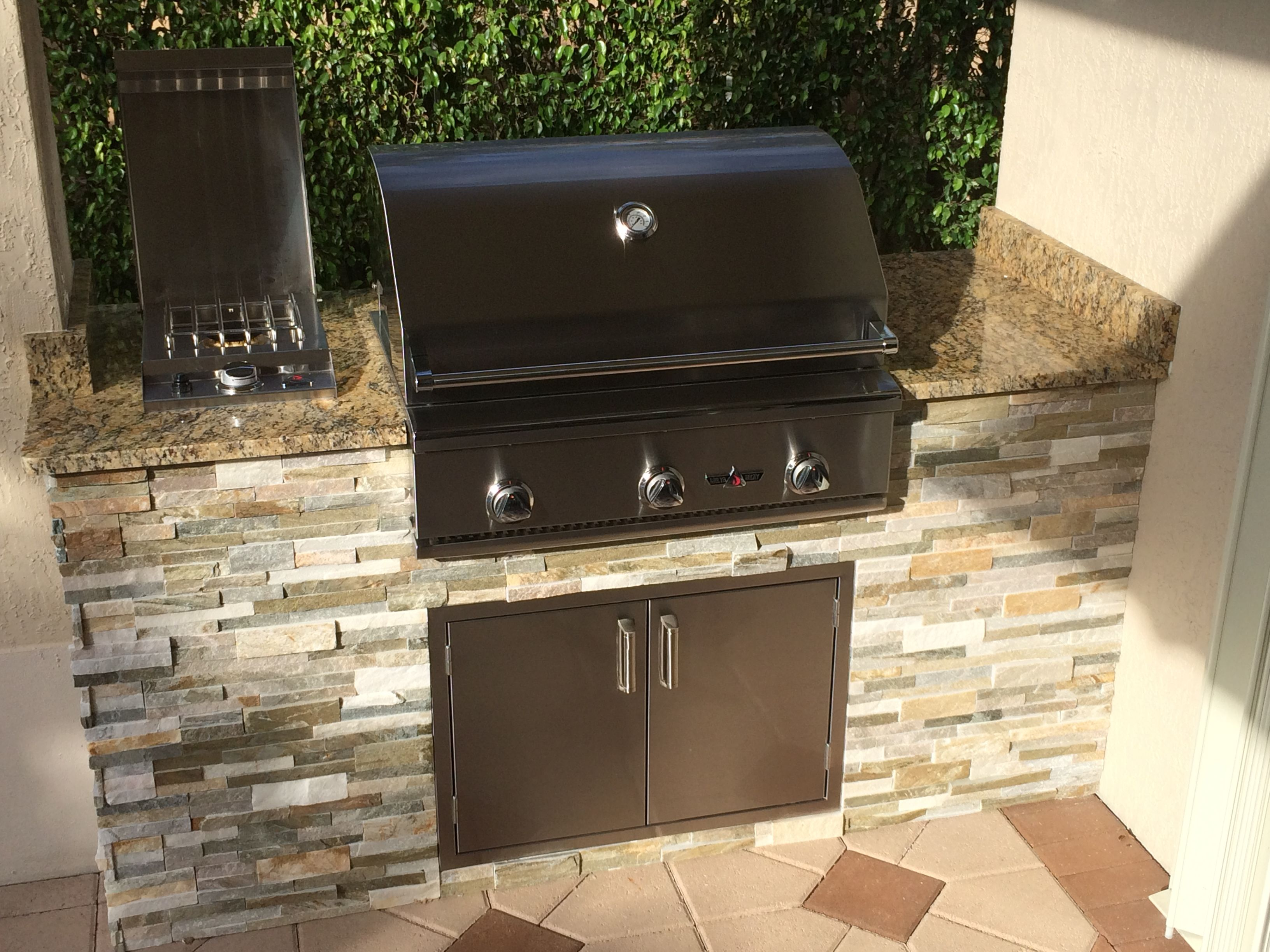 Grill Island To Accommodate A Small Space. Delta Heat Grill And Drop In Single Side Burner