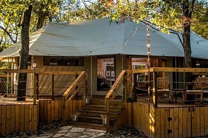 Pet Friendly Cabins In Texas Hill Country Dog Friendly Lodging Tx Rustic Houses Exterior Texas Hill Country House Plans Cabins In Texas