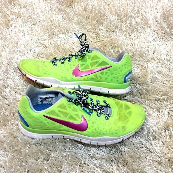 Nike Free 5.0 Sz 8.5 Lime Green Nike Free 5.0 Sz 8.5 with a