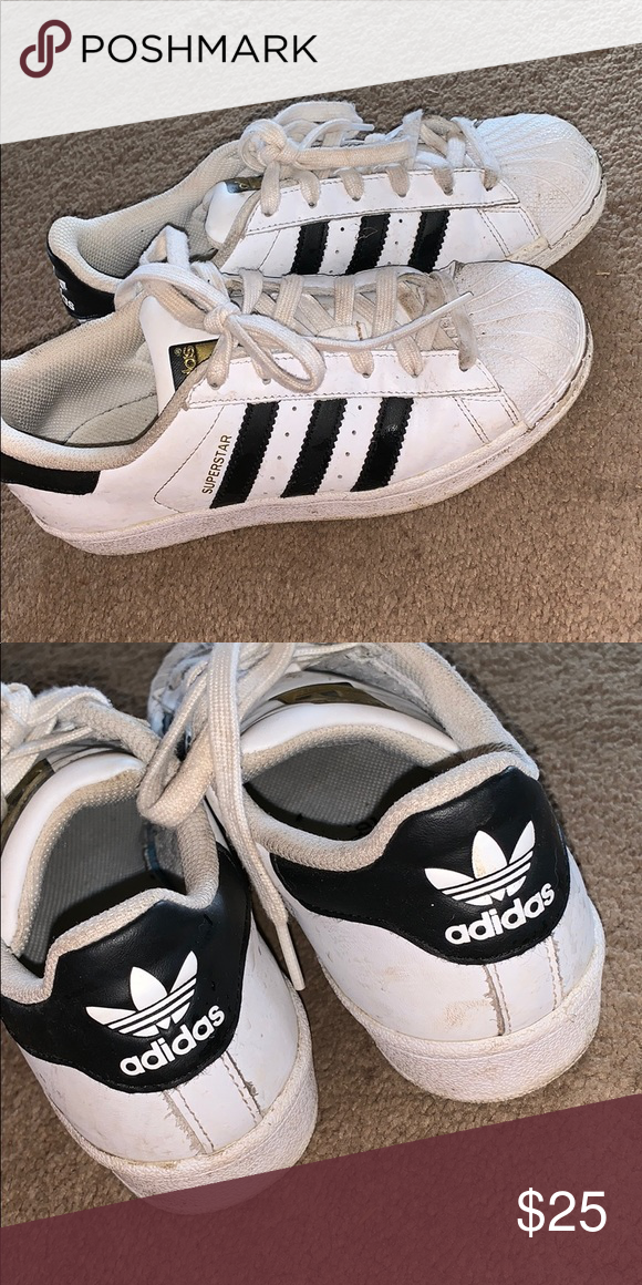 Adidas Superstar Shoes They are size 4